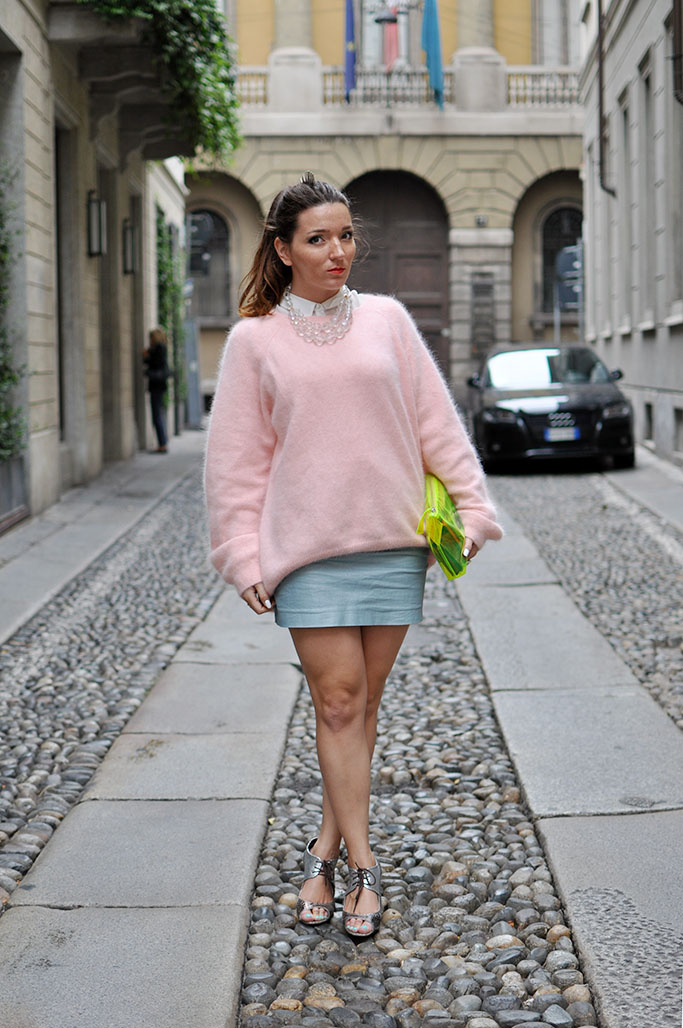 Julia Percia in pink