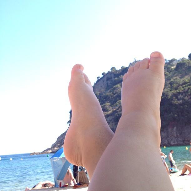 Noah's feet