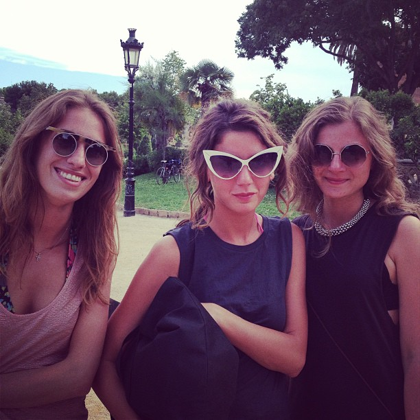 Girls at Sonar with cateyes sunglasses