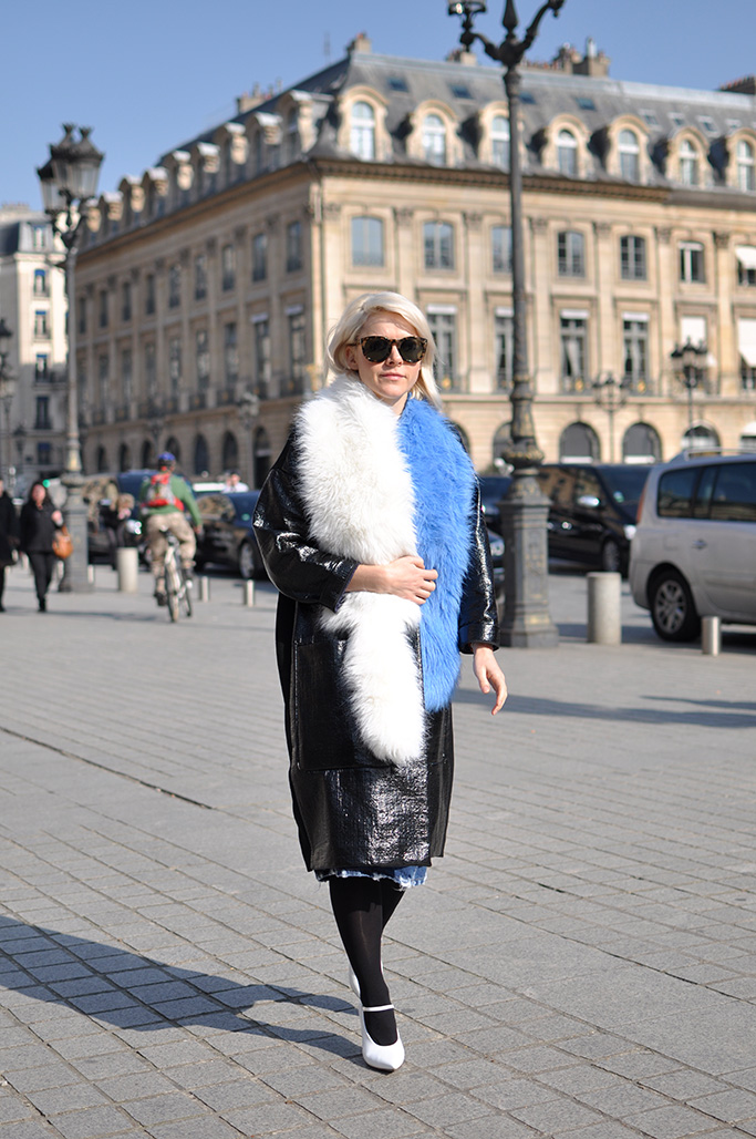 white and blue fur
