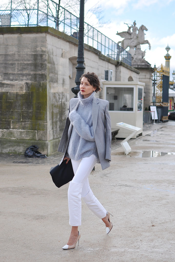 white jeans and grey top, paris street style