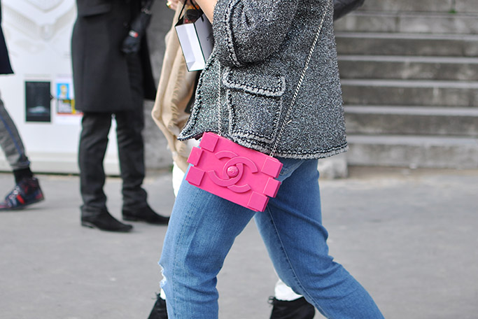 Chanel Streetstyle · Chanel lego clutch