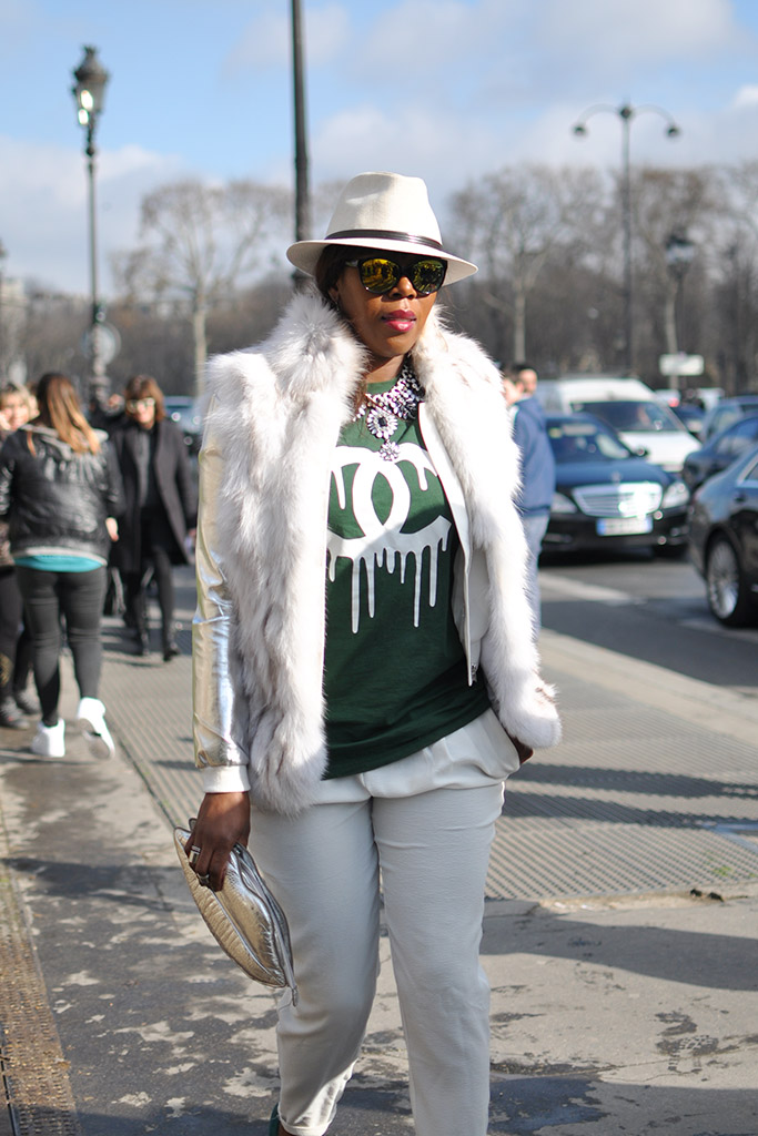 Chanel Streetstyle · Chanel melting tee