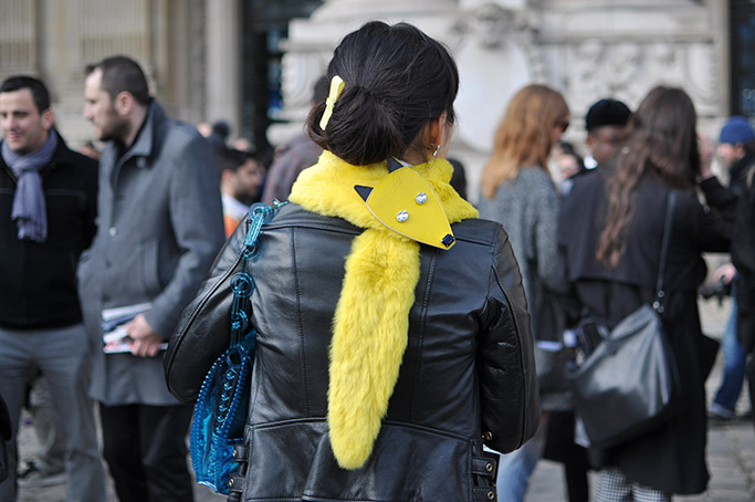 Chanel Streetstyle · Yellow fox