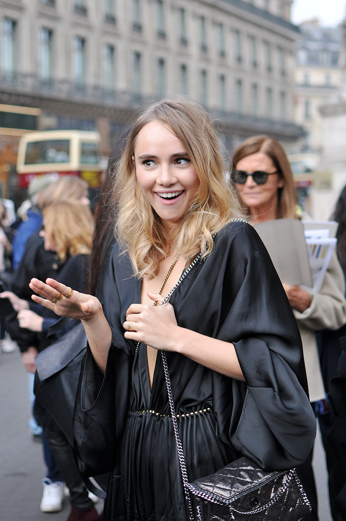 Model Suki Waterhouse